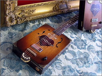 Daddy Mojo Dolorosa Cigar Box Guitar